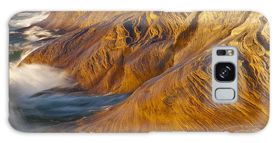 Pictured Rocks National Lakeshore Galaxy S8 Case featuring the photograph Fingers Into The Lake by Cindy Lindow