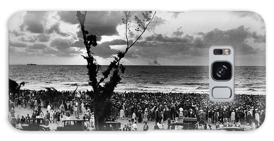 1927 Galaxy S8 Case featuring the photograph Florida: Miami Beach, 1927 by Granger