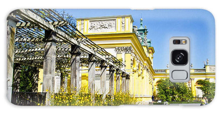 Wilanow Palace Galaxy S8 Case featuring the photograph Garden Entry Wilanow Palace - Warsaw by Jon Berghoff