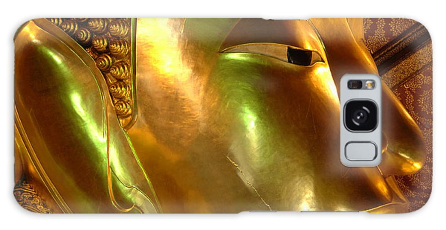 Reclining Buddha Galaxy S8 Case featuring the photograph Golden Face Of Buddha by Bob Christopher