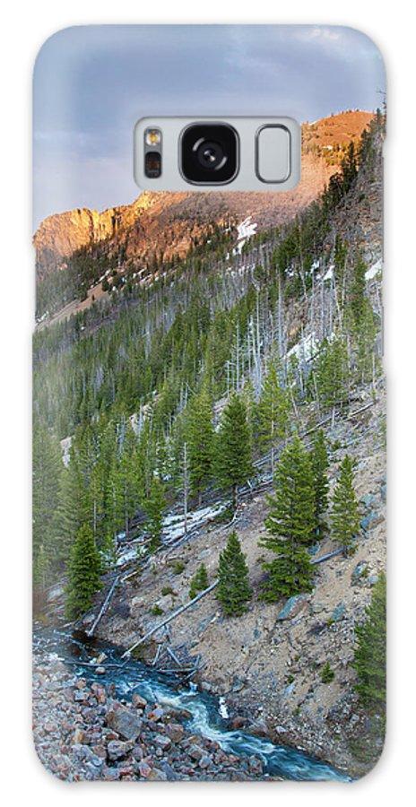 Idaho Galaxy S8 Case featuring the photograph Golden Gate At Sunset by D Robert Franz