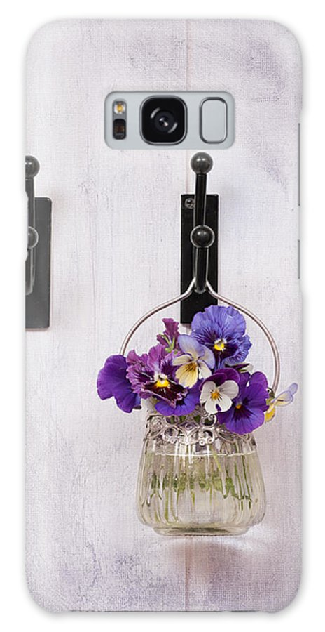 Pansies Galaxy S8 Case featuring the photograph Hanging Pansies by Amanda Elwell