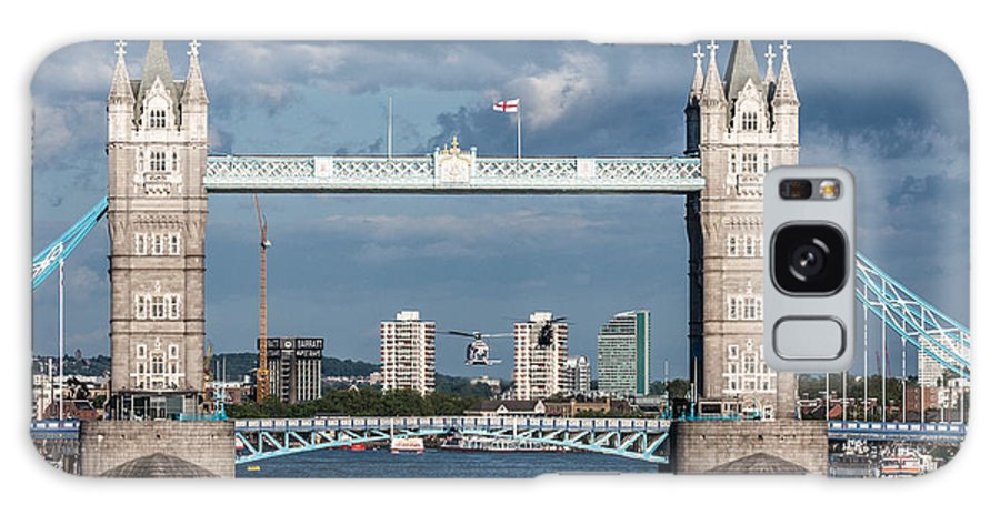 Dawn Oconnor Dawnoconnorphotos@gmail.com Galaxy S8 Case featuring the photograph Helicopters And Tower Bridge by Dawn OConnor