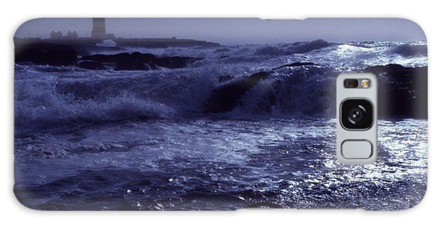 Coast Galaxy S8 Case featuring the photograph Hook Head, County Wexford, Ireland by Richard Cummins