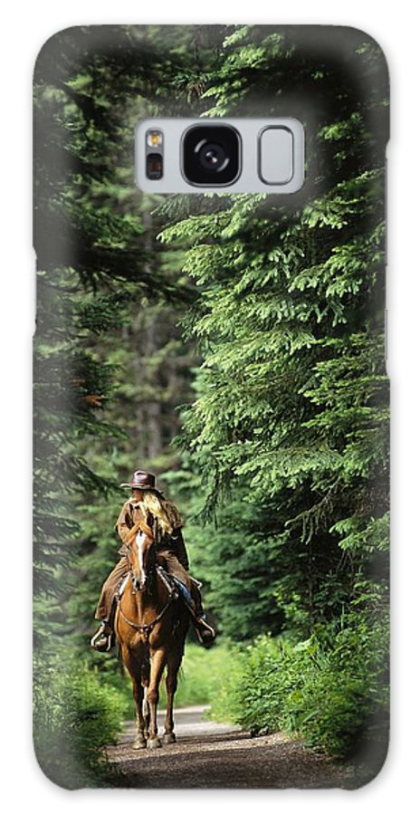 North America Galaxy S8 Case featuring the photograph Horseback Riding On An Emerald Lake by Michael Melford