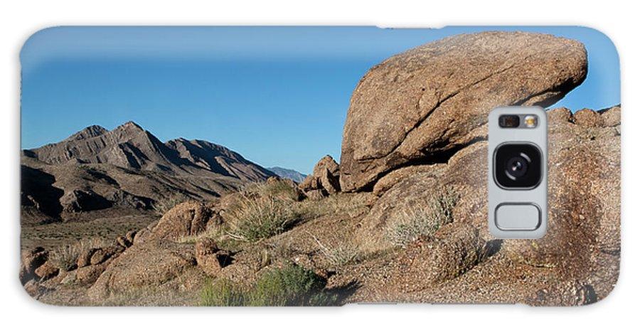 Gold Butte Region Galaxy S8 Case featuring the photograph Humping Rock by Lorraine Devon Wilke