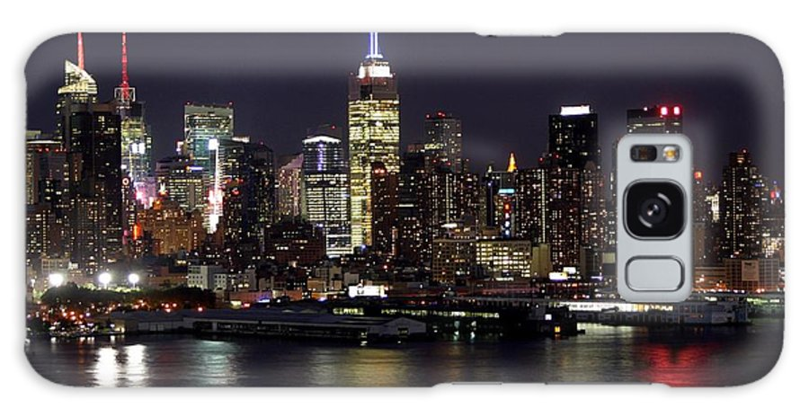 New York City Galaxy S8 Case featuring the photograph Independence Day by Living Color Photography Lorraine Lynch