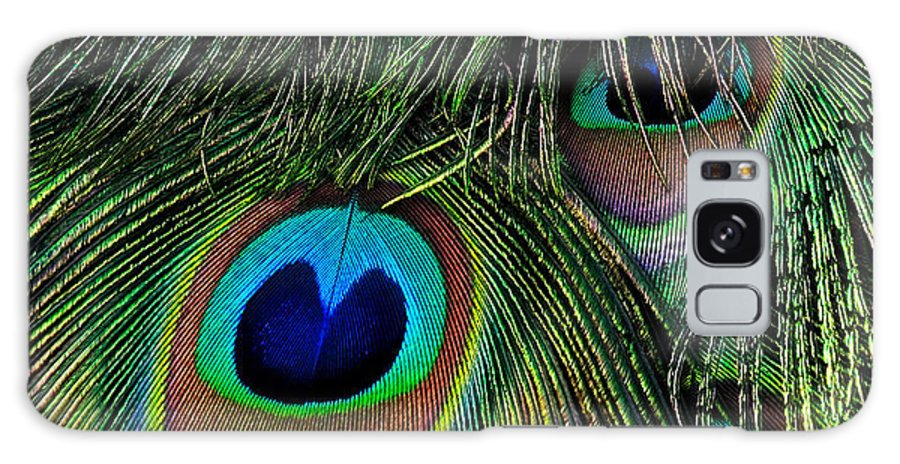 Peacock Galaxy S8 Case featuring the photograph Iridescent Eyes by Bel Menpes
