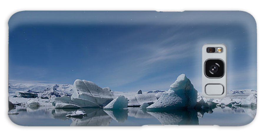 Arctic Galaxy S8 Case featuring the photograph Jokulsarlon At Night by Andres Leon