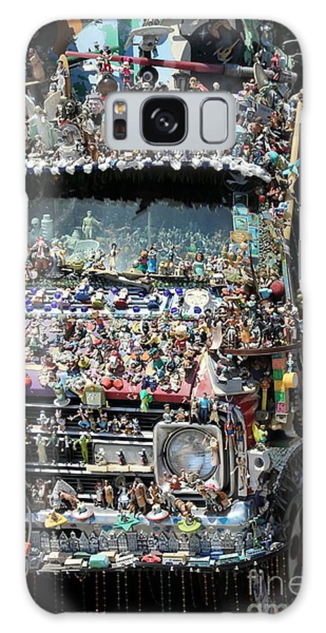 Kitsch Galaxy S8 Case featuring the photograph kitsch Caravan by Sophie Vigneault