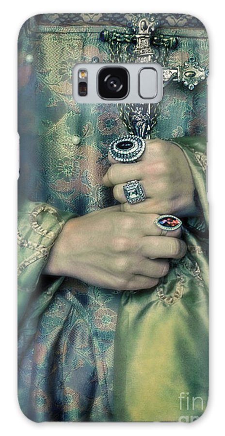 Woman Galaxy S8 Case featuring the photograph Lady In Tudor Gown With Crucifix by Jill Battaglia