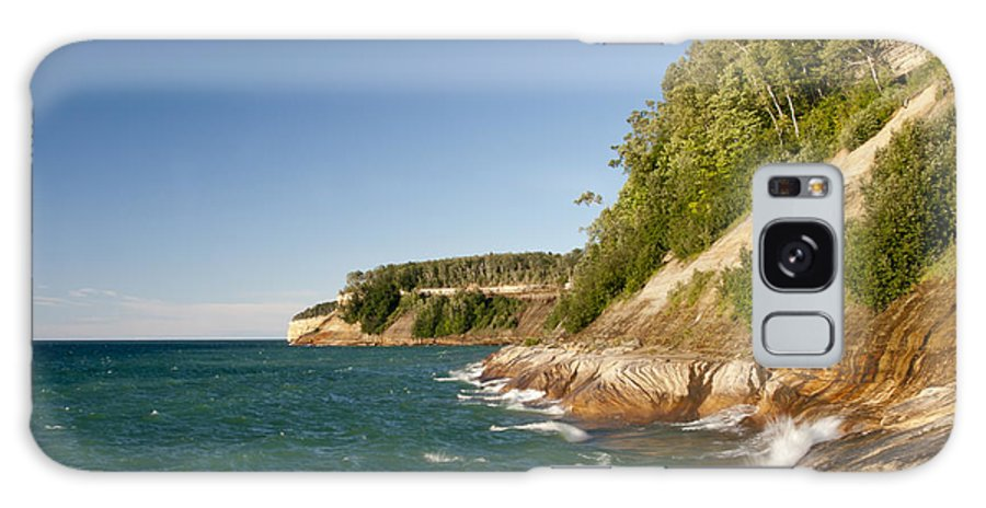 Pictured Rocks National Lakeshore Galaxy S8 Case featuring the photograph Lake Superior Shoreline by Cindy Lindow