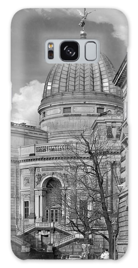 Academy Of Fine Arts Galaxy S8 Case featuring the photograph Lemon Squeezer - Academy Of Fine Arts Dresden by Christine Till