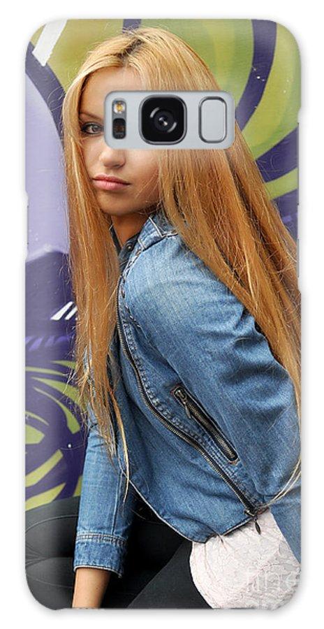 Yhun Suarez Galaxy S8 Case featuring the photograph Liuda8 by Yhun Suarez