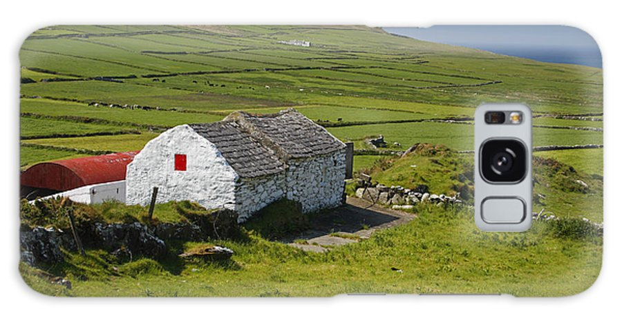 Barn Galaxy S8 Case featuring the photograph Lone Farmhouse On Mizen Head In West by Trish Punch