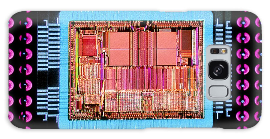 Silicon Chip Galaxy S8 Case featuring the photograph Macrophoto Of An 486 Computer Silicon Chip by Geoff Tompkinson