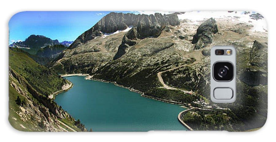 Landscape Galaxy S8 Case featuring the photograph Magic Lake by Celiane Osimo