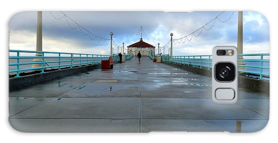 Manhattan Beach Pier Galaxy S8 Case featuring the photograph Manhattan Beach Pier by Jeff Lowe