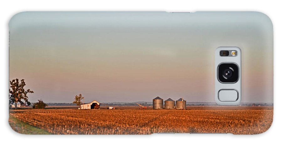 Scenery Galaxy S8 Case featuring the photograph Moning In The Heartland by Debbie Portwood