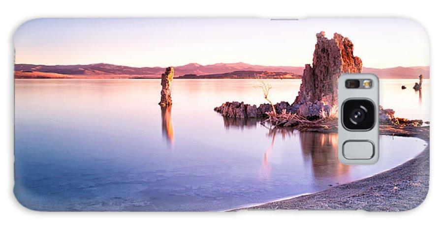 Mono Lake Galaxy S8 Case featuring the photograph Mono Lake Sunrise by Tanya Harrison