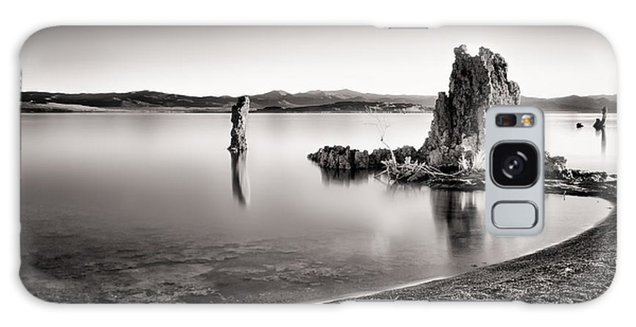 Mono Lake Galaxy S8 Case featuring the photograph Monochromatic Mono Lake Sunrise by Tanya Harrison