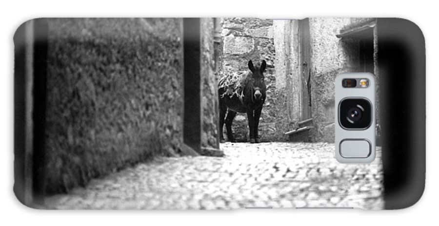 Italy Galaxy S8 Case featuring the photograph Narrow Street In Orvieto Italy by Emanuel Tanjala