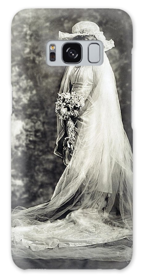 1920 Galaxy S8 Case featuring the photograph New York: Bride, 1920 by Granger