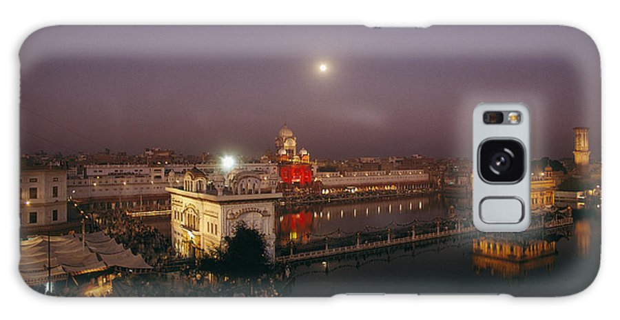 Asia Galaxy S8 Case featuring the photograph Night View Of Amritsar by James P. Blair