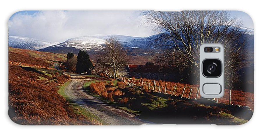 Country Road Galaxy S8 Case featuring the photograph Nire Valley Drive, County Waterford by Richard Cummins