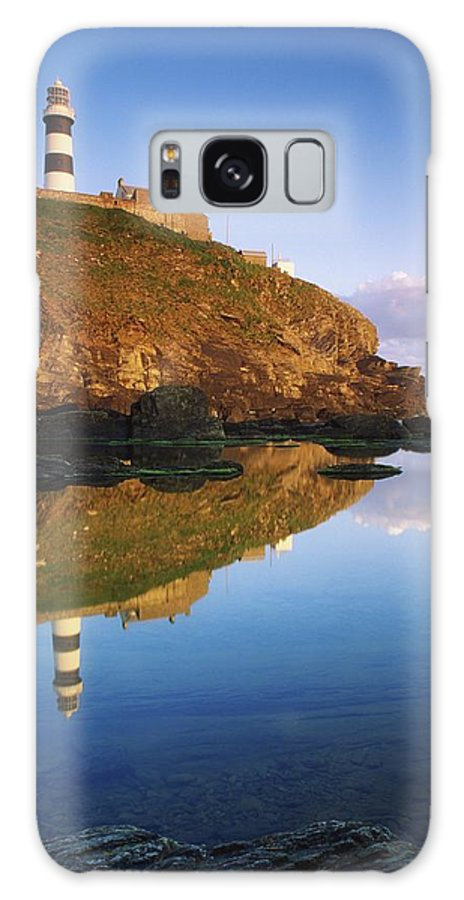 County Cork Galaxy S8 Case featuring the photograph Old Head Of Kinsale by Richard Cummins