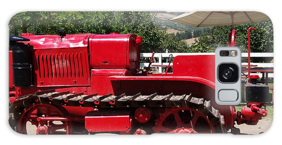Old Red Tractor Galaxy S8 Case featuring the photograph Old Red Tractor by Jeff Lowe