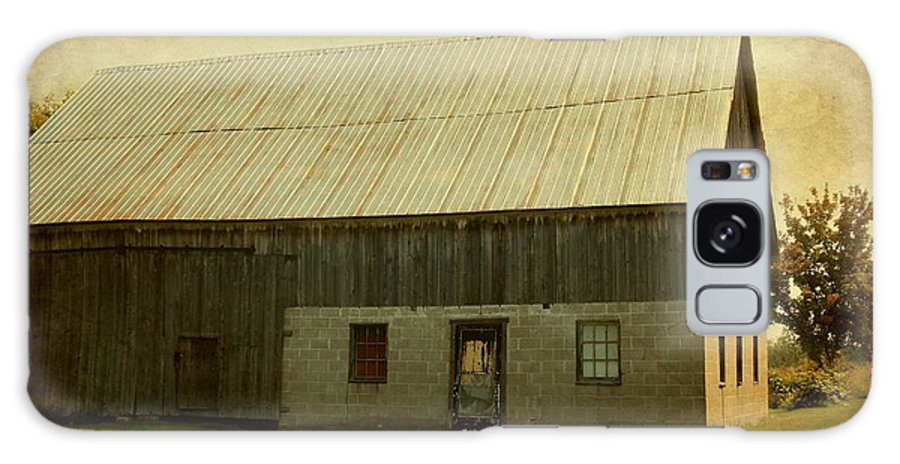 Barn Galaxy S8 Case featuring the photograph Old Textured Barn by Sophie Vigneault