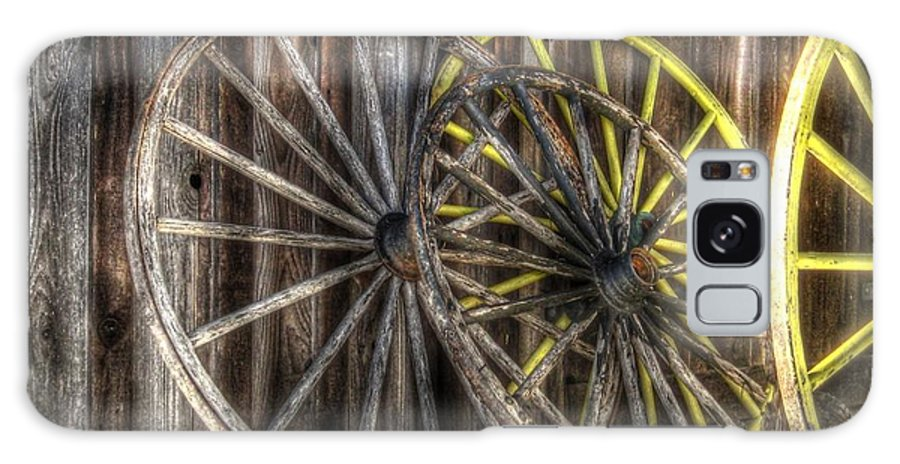 Wagon Wheel Galaxy S8 Case featuring the photograph Out West by Jane Linders