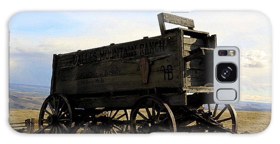 Barnwood Galaxy S8 Case featuring the photograph Painted Wagon by Steve McKinzie