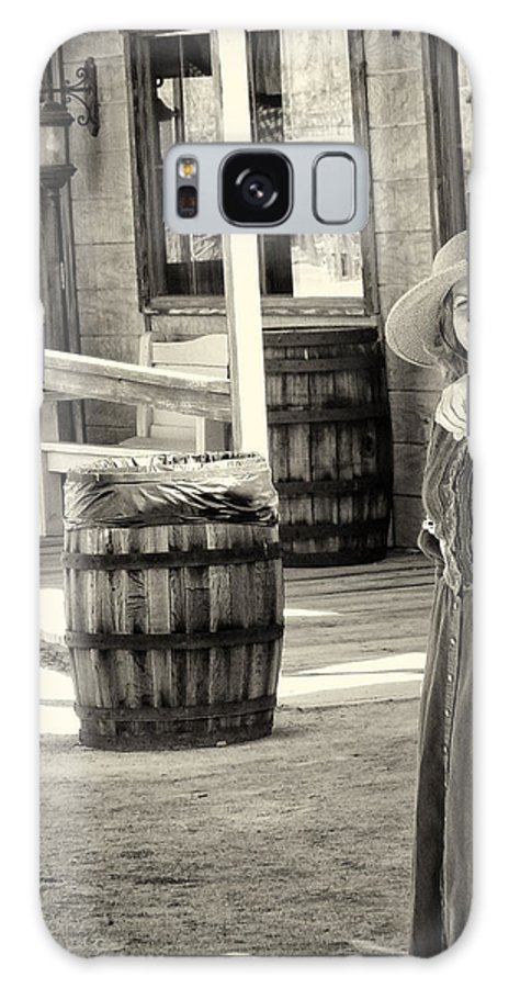 Rawhide Galaxy S8 Case featuring the photograph Pioneer Lady by Diane Wood