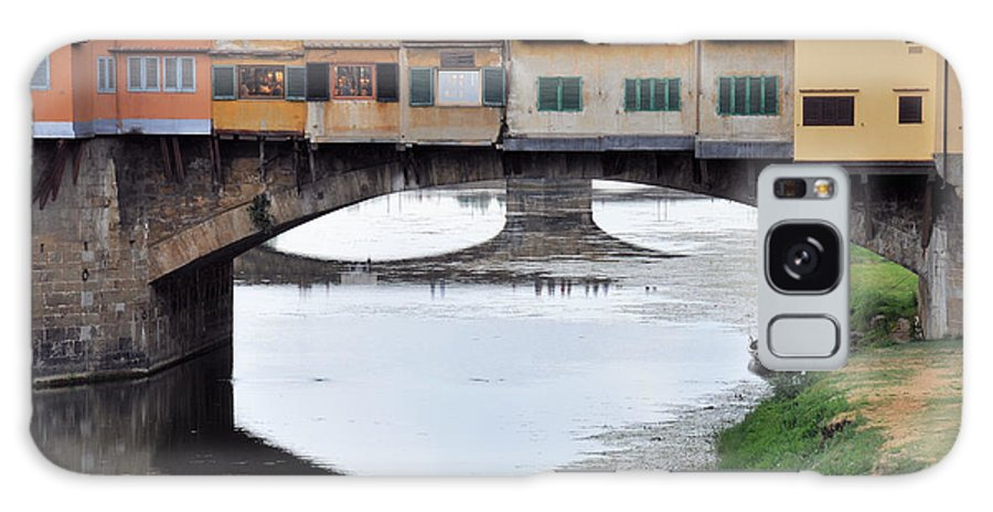 Bridge Galaxy S8 Case featuring the photograph Ponte Vecchio 2 by Rich Bodane