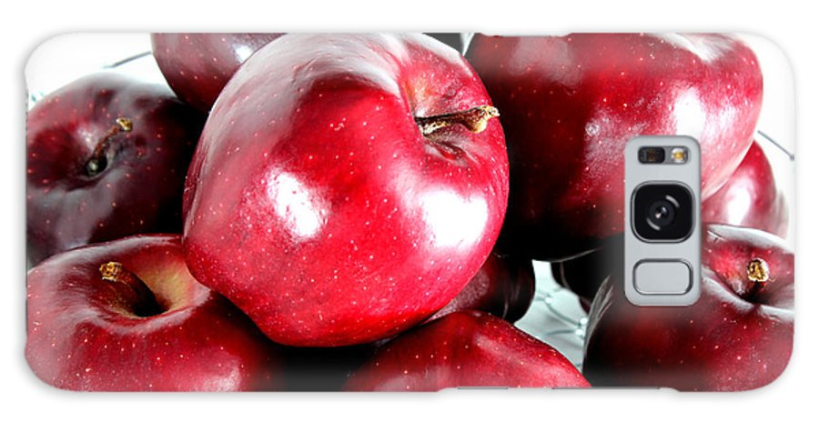 Red Galaxy S8 Case featuring the photograph Red Delicious Apples by Barbara Griffin