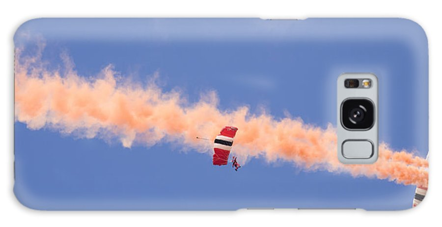 Parachute Galaxy S8 Case featuring the photograph Red Devils Free Fall Parachute Team by Ian Middleton