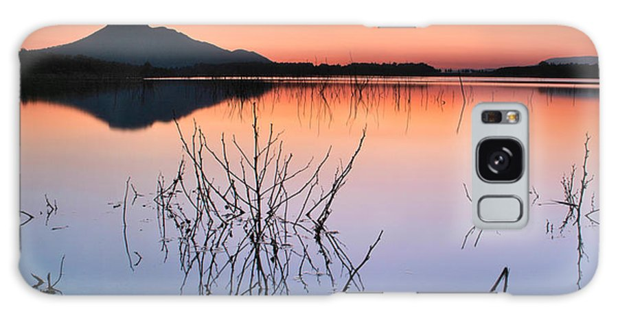 Sunset Galaxy S8 Case featuring the photograph Reflexion by Guido Montanes Castillo