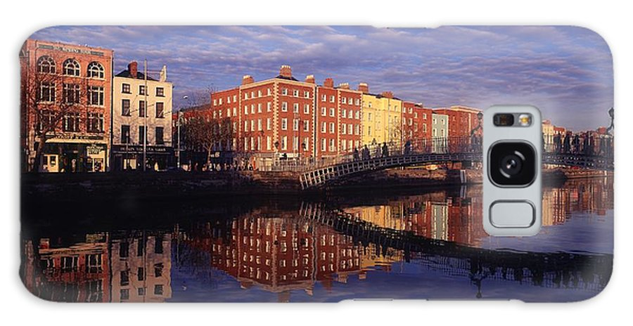 Atmosphere Galaxy S8 Case featuring the photograph River Liffey And Halfpenny, Bridge by The Irish Image Collection