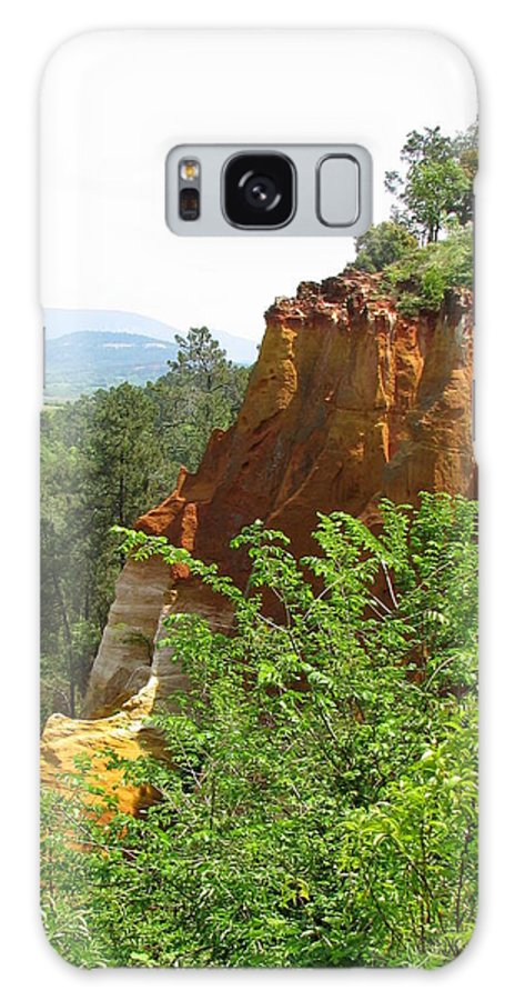 Roussillon Galaxy S8 Case featuring the photograph Roussillon's Ochre Hills by Carla Parris