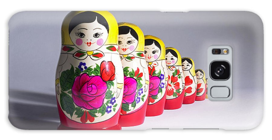 Nesting Doll Galaxy S8 Case featuring the photograph Russian Dolls by Tony Mcconnell