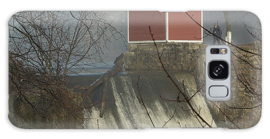 Dam Galaxy S8 Case featuring the photograph Shed By The Dam In Fog by Barry Doherty