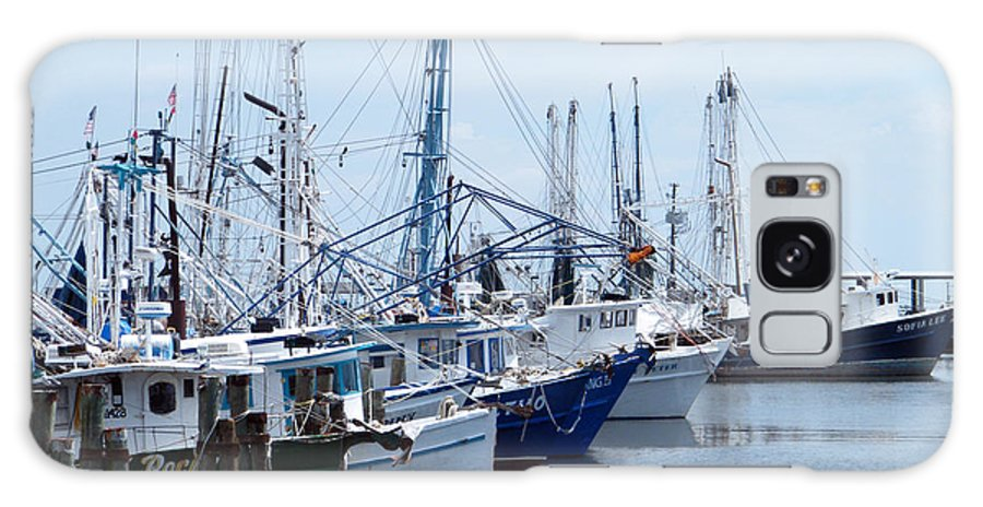 Boats Galaxy S8 Case featuring the photograph Shrimpers Row by Brian Wright
