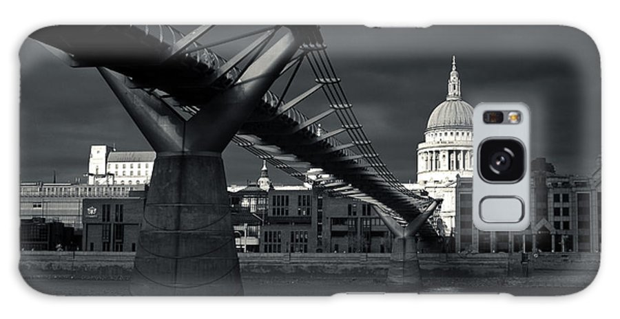 St Galaxy S8 Case featuring the photograph St Pauls Cathedral by Andy Linden