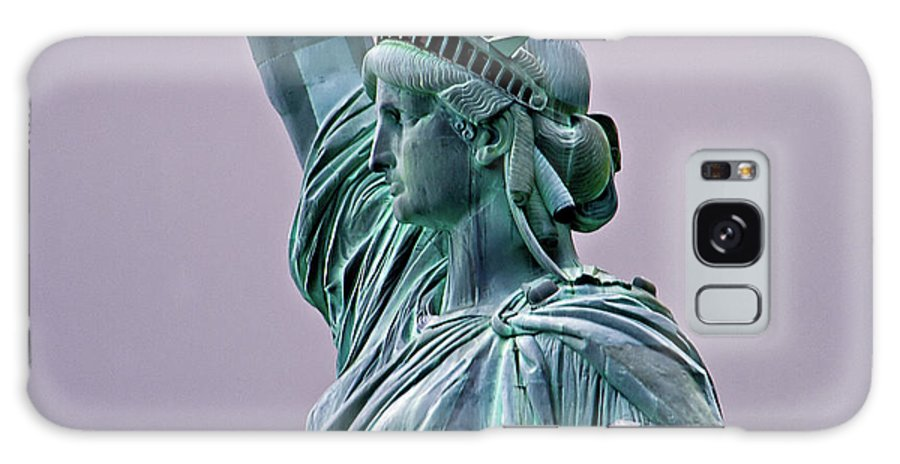 Statue Of Liberty Galaxy S8 Case featuring the photograph Statue Of Liberty by Bill Lindsay