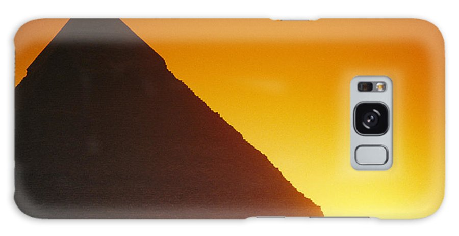 Africa Galaxy S8 Case featuring the photograph Sun Sets Behind Khufus Great Pyramid by Mark Cosslett