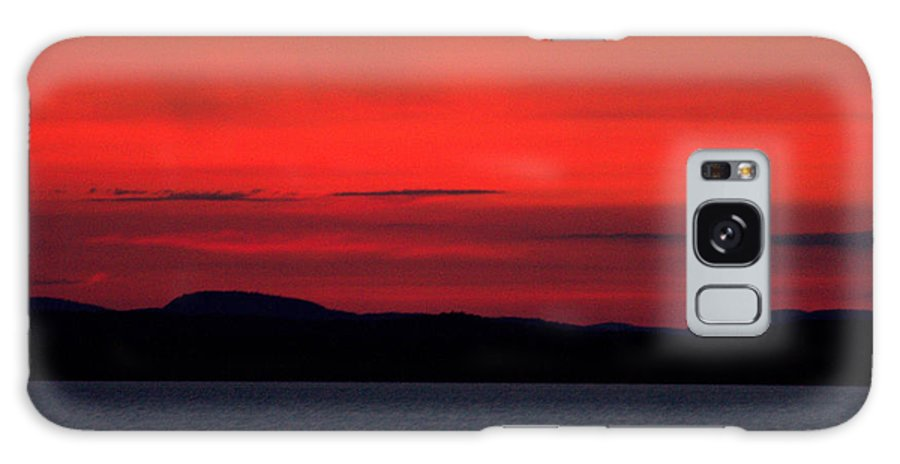 Sunrise Over Malletts Bay Galaxy S8 Case featuring the photograph Sunrise Over Mallets Bay Colchester Vermont by Mark Holden