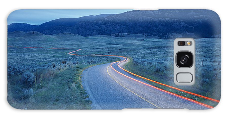 Traffic Galaxy S8 Case featuring the photograph Traffic At Dusk by David Nunuk