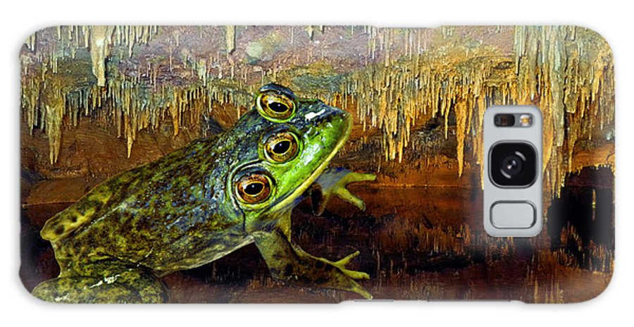 Frog Galaxy S8 Case featuring the photograph Triopse by Lynda Lehmann